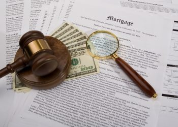 Should you take on an adjustable or fixed rate mortgage image
