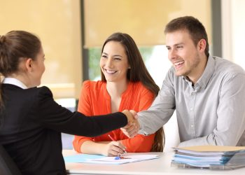 mortgage loan officer image